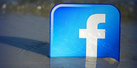 Estate social, 21 milioni gli italiani connessi ogni giorno a Facebook