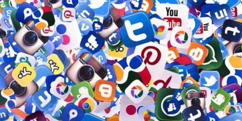 Ue in pressing su Facebook, Twitter e Google per cambiare i termini di utilizzo