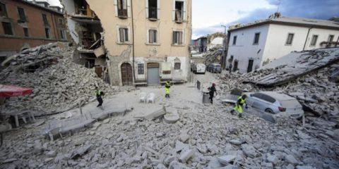 BreakingDigital. Il dolore del terremoto trascina con sé anche le macerie multimediali dei grandi media