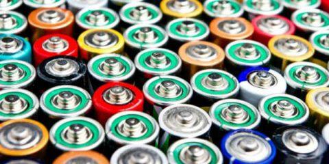 Batterie, la contraffazione fa danni in Europa per 180 milioni di euro