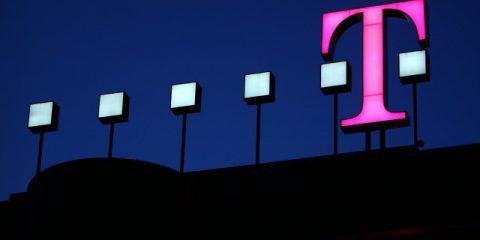 5G, Deutsche Telekom mette sul piatto 5,5 miliardi all'anno per coprire il paese entro il 2025