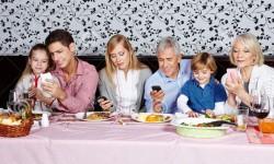 family_smartphone