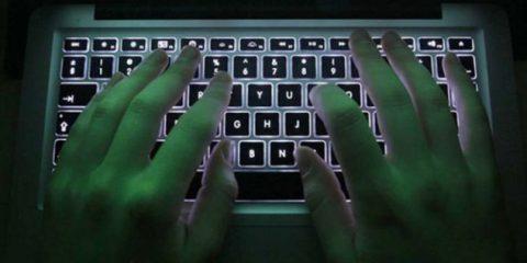 Spionaggio. Società italiana spiega quant'è facile (col software giusto) prendere il controllo di un Pc