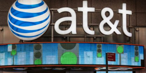 AT&T-Time Warner, dubbi e rischi del matrimonio dell'anno