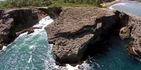 Video droni. Onde, foreste, fiumi e città: Portorico vista dal drone
