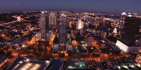 Video droni. La città di Tampa (Florida) vista dal drone
