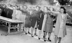 Addestramento al tiro di agenti donne del Dipartimento di Polizia di Los Angeles (1948)