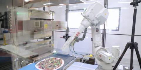 Trump promette posti di lavoro nel manifatturiero (robot permettendo)