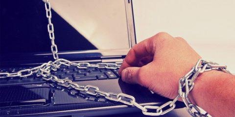 Causeries. Psiche e Internet, ansia e solitudine si annidano online
