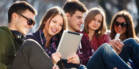 SosTech. Il digitale e i giovani: quanto sono vicini?