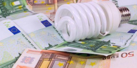 """Switch off dell'Energia, perché il Parlamento l'allontana? Centinaia di operatori """"beffati"""""""