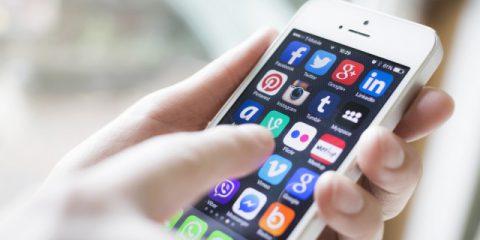 SosTech. Telefonia mobile alla prova, le offerte migliori per l'estate