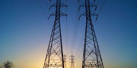 Sos Energia. Elettricità, nel 2017 arriva la Tutela Simile: ecco i vantaggi per gli utenti