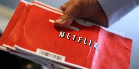 Netflix rilancia il DVD: vuole insidiare Amazon nell'eCommerce?