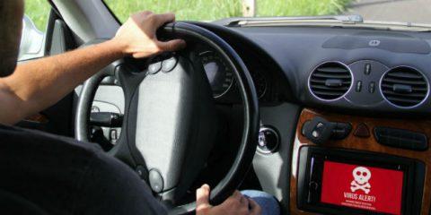 Auto connesse e app hackerate: chi controlla la tua macchina?