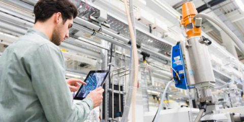 Cybersecurity, prima preoccupazione per sei lavoratori italiani su dieci del manifatturiero