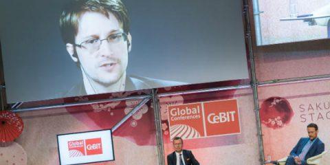CeBIT 2017, i consigli di Edward Snowden per la cybersecurity dell'Internet delle cose