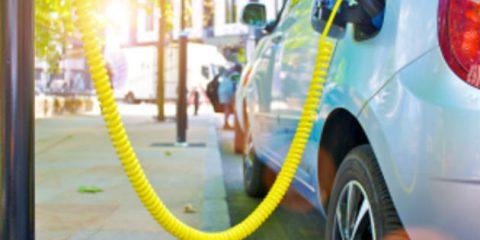 Auto elettriche, a luglio le vendite in Italia volano a +340%