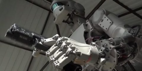 Robot, è russo il nuovo 'Terminator' e andrà nello spazio nel 2021 (video)