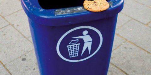 Ironia urbana: scusa gli dai una bottarella per metterlo dentro?