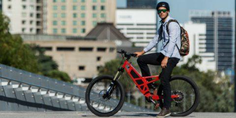 Smart mobility, le bici elettriche valgono il 4% del mercato italiano