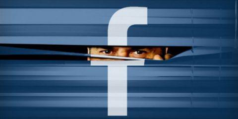 Facebook sa tutto di te. Come chiedere la copia dei tuoi dati (in suo possesso)