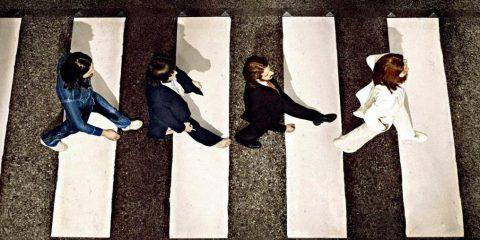 Foto inedite: Lo storico attraversamento dei Beatles sulle strisce pedonali di Abbey Road