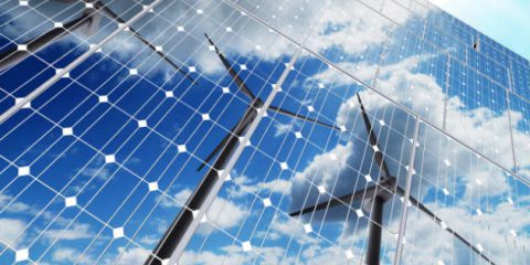 Rinnovabili ed efficienza energetica al 32% nel 2030, ok dal Parlamento UE