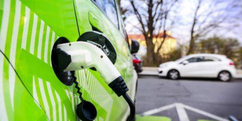 Auto elettriche, in Italia immatricolazioni cresciute del 124% a giugno 2018