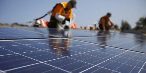 Rinnovabili, raggiunti gli obiettivi al 2030 il valore della produzione industriale italiana aumenterebbe di 226 miliardi
