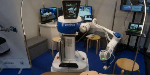 Telemedicina, il robot-dottore che visita a distanza