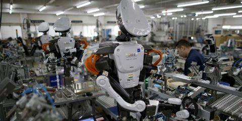 Robot. L'Italia come il Giappone, se la manodopera non è qualificata si investirà in automazione