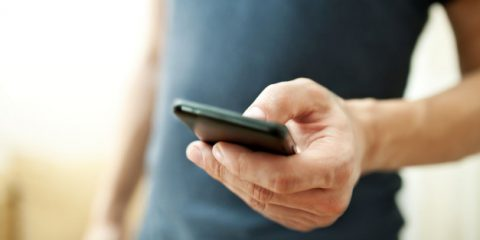 Smartphone. Il Tar del Lazio obbliga lo Stato, entro 6 mesi, alla campagna sull'uso responsabile e sui rischi
