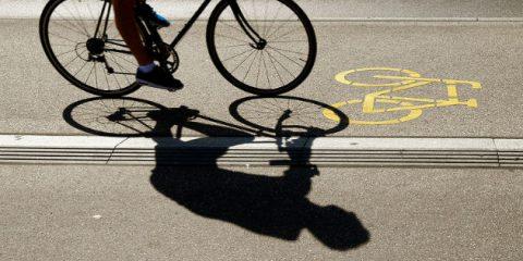 Economia circolare, in Olanda la prima pista ciclabile fatta di carta igienica riciclata