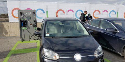 eMobility, piano nazionale Enel per 14 mila colonnine di ricarica nel 2022