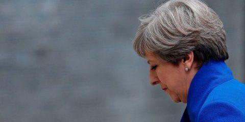La premier May chiede aiuto ai leader Ue per la Brexit, Boom di posti di lavoro in Usa, Catalogna