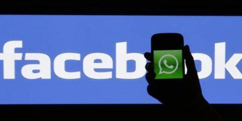 I dati di WhatsApp a Facebook, ultimatum del Garante francese 'Stop entro un mese o sanzioni'
