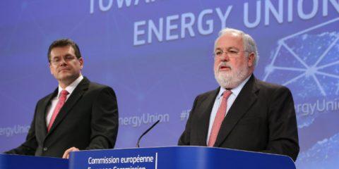 Energia pulita, l'Europa investe 870 milioni di euro per la resilienza e la sicurezza