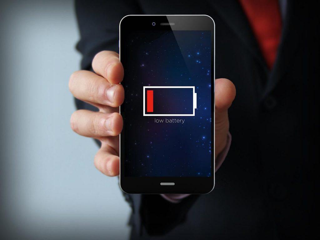 Apple presenta al mondo la sua custodia che ricarica l'iPhone