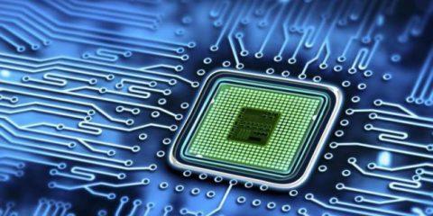 Falla nei processori Intel, Adm e Arm, a rischio dati dei Pc e smartphone. Gli aggiornamenti da fare (subito)