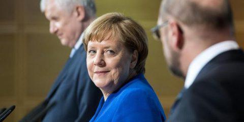 Germania, critiche a Merkel e Grosse Koalition. 'Nessun impegno su modello 'solo fibra''