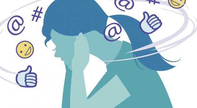 Facebook, cala l'utilizzo del social network