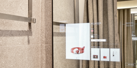 official photos f5532 d1090 Vodafone, a breve i camerini digitali nei negozi Mango di ...