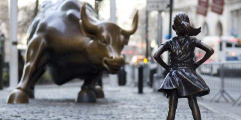Spot & Social. Fearless Girl, la bambina senza paura che sfida Wall Street compie un anno