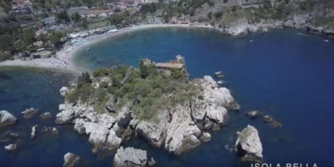 Videodroni. L'isola bella di Taormina vista dal drone