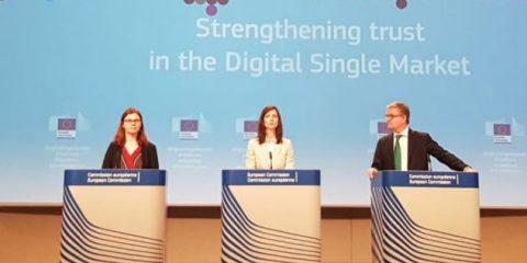 Lotta a fake news, Commissione Ue 'Codice degli Ott su buone pratiche, fact checking e più fondi ai giornali'