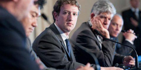 Privacy sotto i piedi di Facebook, scansionati i nostri messaggi privati e le foto