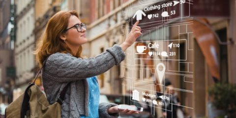 Realtà aumentata, tra occhiali e showroom digitali nel 2022 varrà 5,5 miliardi per l'industria automotive