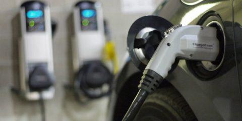 Auto elettriche, se ne venderanno 1,6 milioni nel 2018. Oltre 400 modelli sul mercato nel 2025