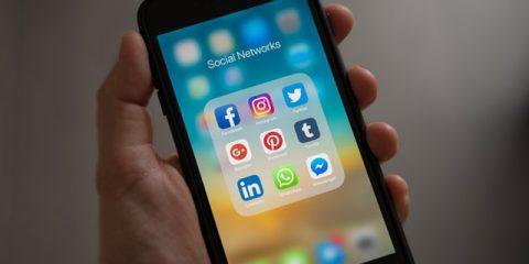 Social network, Facebook ancora il più usato tra gli italiani. Instagram spopola tra i giovanissimi